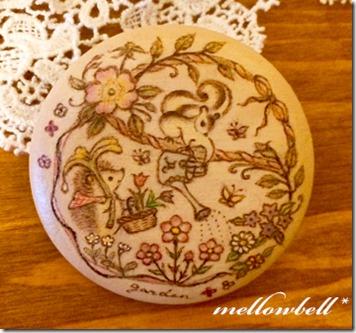 squrrel&hedgehog_gardeningjpg